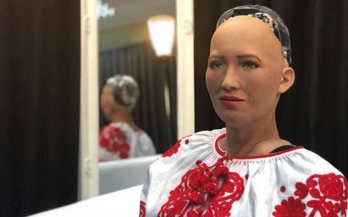 Робот Софія в Києві розповіла, хто буде наступним президентом України