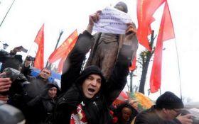У Білорусі за день дісталося двом пам'ятникам Леніну: з'явилися фото і відео