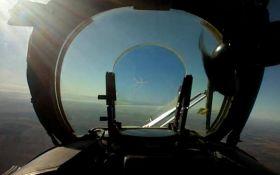 Вертолет ВСУ сбил российский беспилотник на Донбассе: опубликовано зрелищное видео