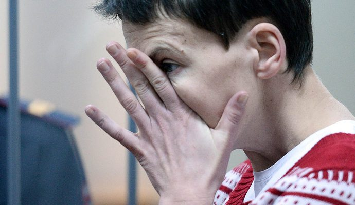 Савченко важко, але вона тримається - адвокат