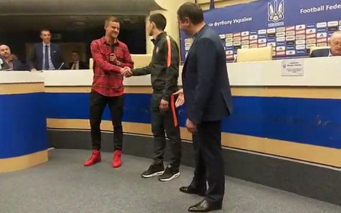 Появилось видео, как Ярмоленко помирился со Степаненко