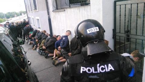 У Чорногорії на мітингу поліція застосувала сльозогінний газ (1)