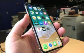 Apple в два раза сократит производство iPhone X