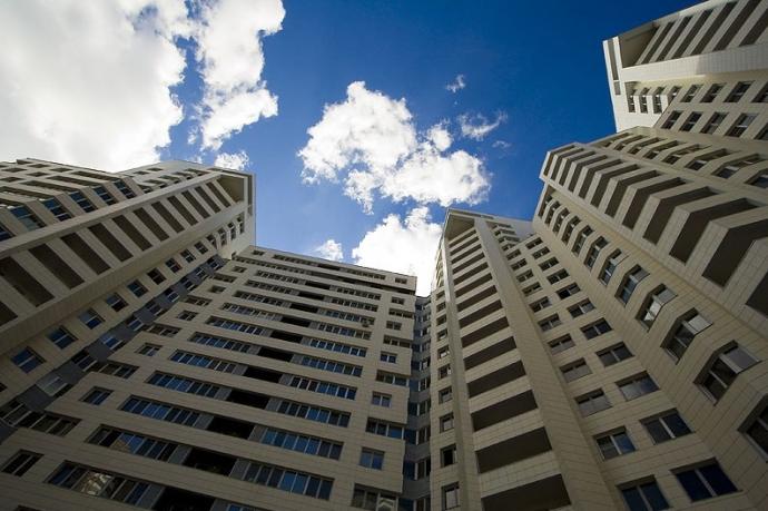 Квартиры на верхних этажах и пентхаусы опасны для жизни