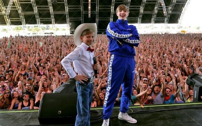 11-річний хлопчик заспівав посеред супермаркету і його покликали на фестиваль Coachella