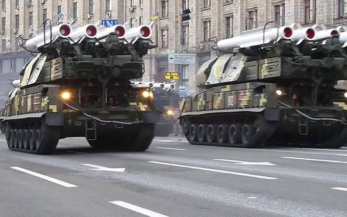 Репетиція параду і асфальт: Міноборони жорстко відповів Київавтодору, а в мережі киплять суперечки
