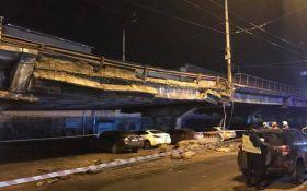 Він втомився: міст, що обвалився у Києві, викликав хвилю сміху і гнівних жартів в мережі