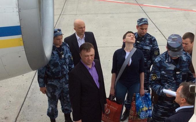 Як силовики Путіна віддавали Савченко: з'явилися яскраві фото