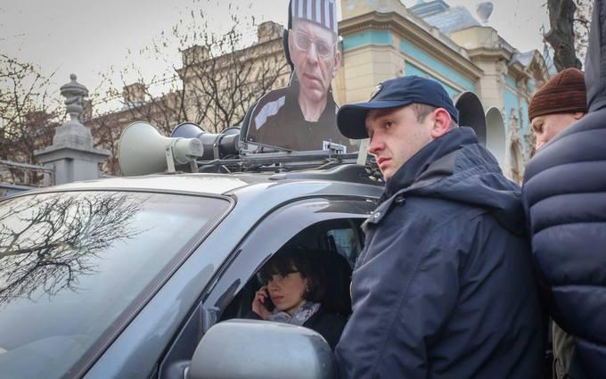 "Нардеп ""захватила"" машину возле Рады: опубликовано фото"