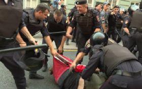 ЕС впервые отреагировал на массовые задержания в России