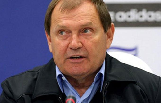 """Тренер """"Карпат"""" звернувся до Порошенка через ситуацію в українському футболі"""