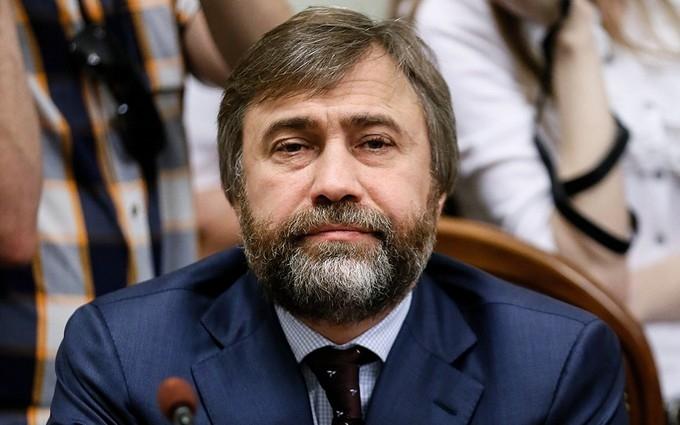 Скандал: екс-регіонал накинувся з погрозами на митрополита