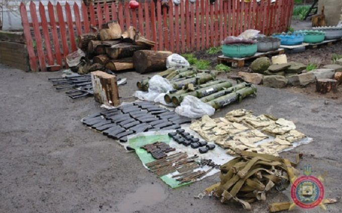 ВБахмуте задержали 2-х боевиков «ДНР» с резервом оружия— Аброськин
