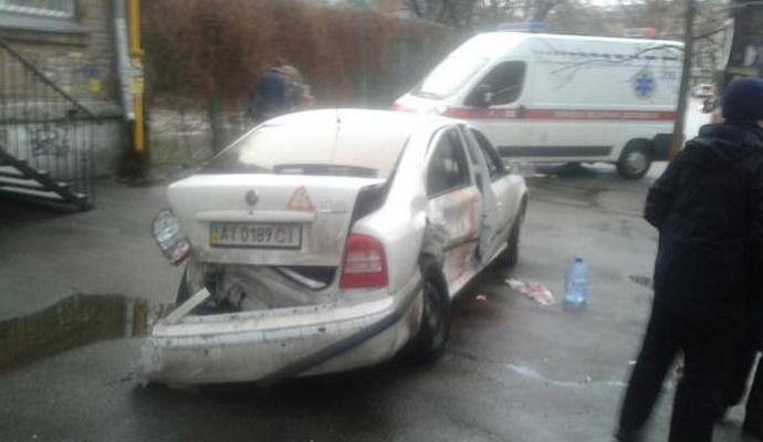 В Киеве произошло ДТП: пострадали люди