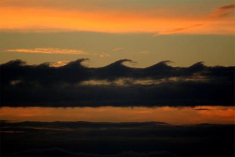 Волноподобные облака Кельвина-Гельмгольца (17 фото) (1)