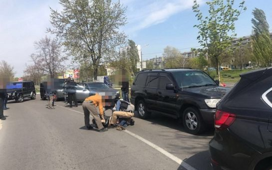 В Киеве СБУ задержала на взятке в 530 тысяч гривень чиновника пограничной службы: опубликованы фото