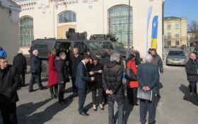 Украинцам показали новинки отечественной боевой техники: опубликовано видео