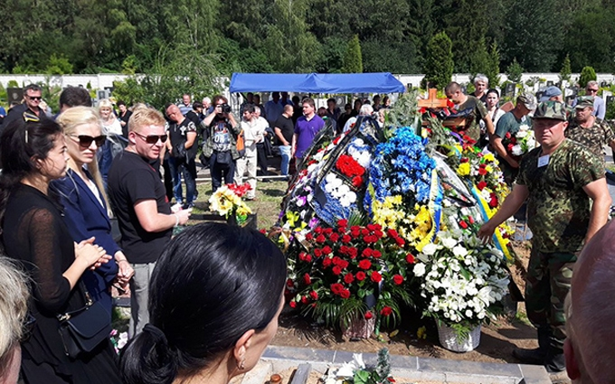 Вбитого журналіста Шеремета поховали під Мінськом: опубліковані фото