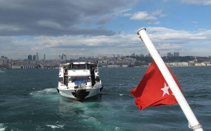 Туреччина закрила Босфор через смертельну ДТП з кораблями: з'явилося фото