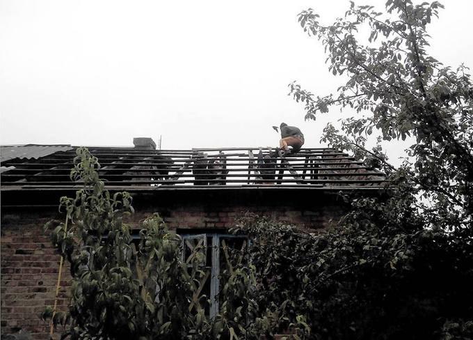 Бойовики ДНР вдарили з великого калібру по мирних будинках: опубліковані фото (1)