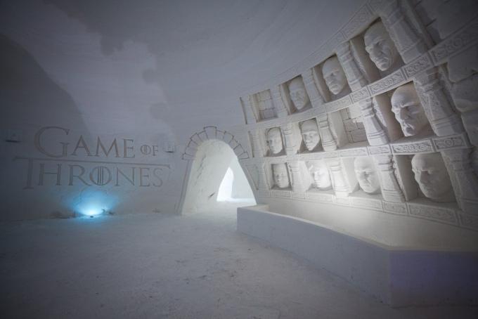 """У Лапландії побудували льодовий готель за мотивами """"Гри престолів"""": вражаючі фото і відео (1)"""