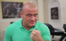 Украинский боксер-шоумен на внедорожнике сбил лося: появились фото