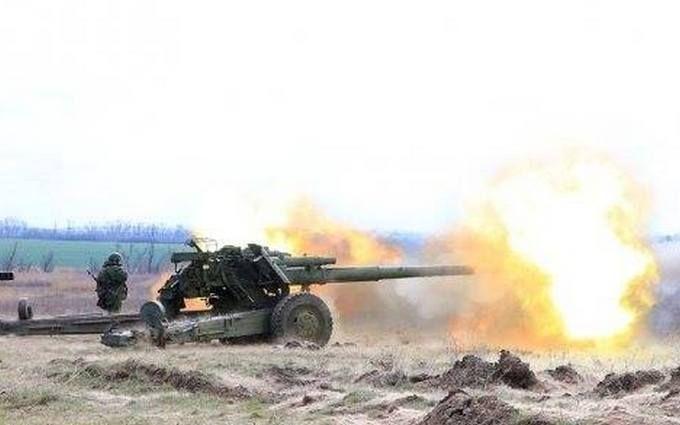 Бойовики вночі влаштували потужну мінометну атаку на Донбасі: загинув український захисник