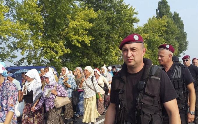 Аваков наказав блокувати рух хресної ходи Києвом
