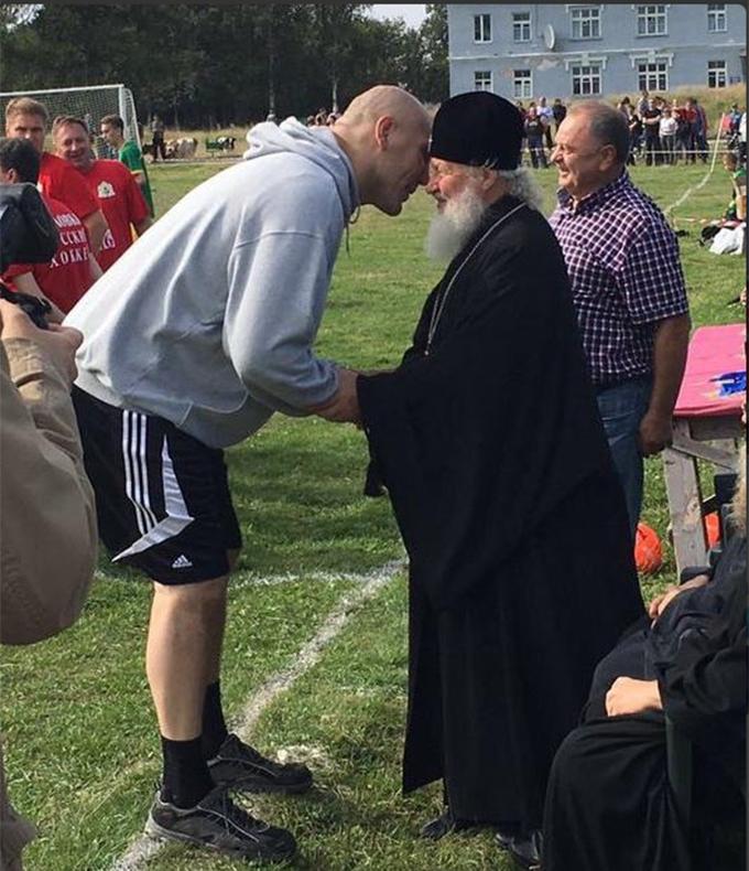 """""""Православний футбол"""" з Валуєвим і главою РПЦ насмішив соцмережі: з'явилися фото (1)"""