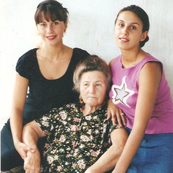 """""""Помним о трагедии"""": Джамала показала архивные фото своей крымскотатарской семьи (1)"""