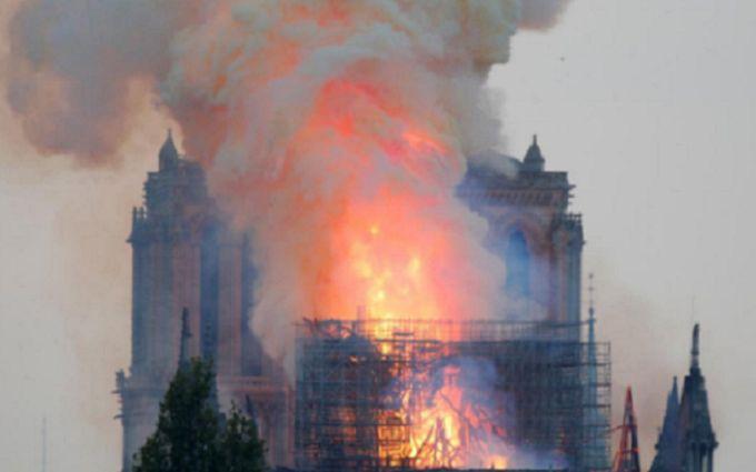 Пожар в Нотр-Даме из-за Зеленского: посол Франции разозлились из-за шутки известного политолога