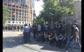 """В Одессе патриоты """"штормят"""" незаконную стройку Кадорра за сотрудничество с сепаратистами"""