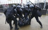 Милицию Беларуси, разгонявшую митинги, высмеяли жестким видео