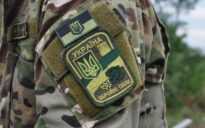 Донбас не затихає: у Порошенка повідомили про нові втрати сил АТО