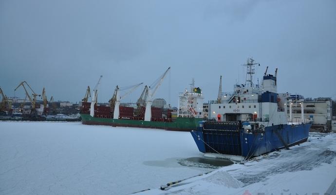 Через негоду в Одесі закрили частину морських портів