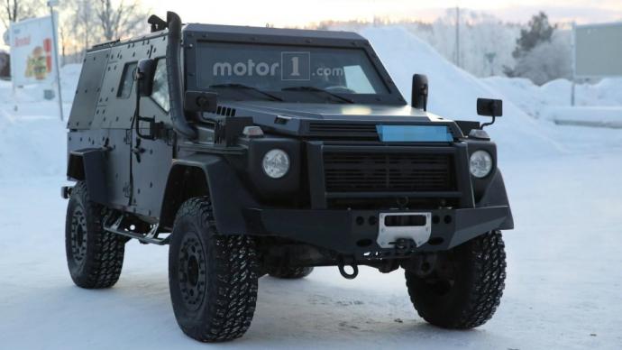 Компания Mercedes-Benz вывела на тесты новый военный броневик на базе G-Class (6 фото) (2)