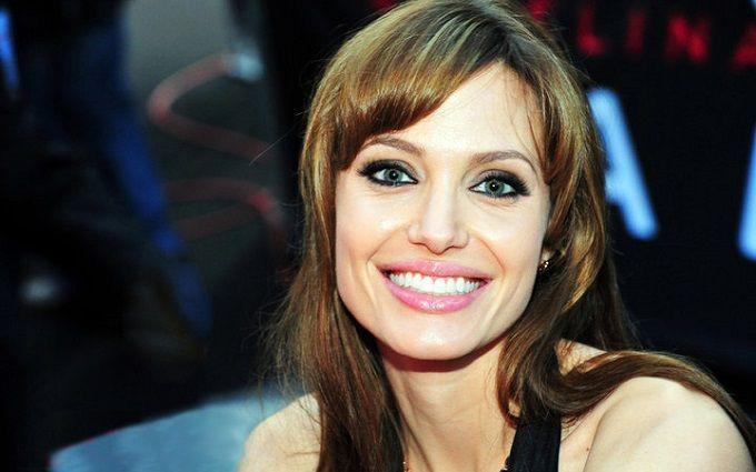 Опубліковані перші фото Анджеліни Джолі з нового фільму Marvel - мережа у захваті
