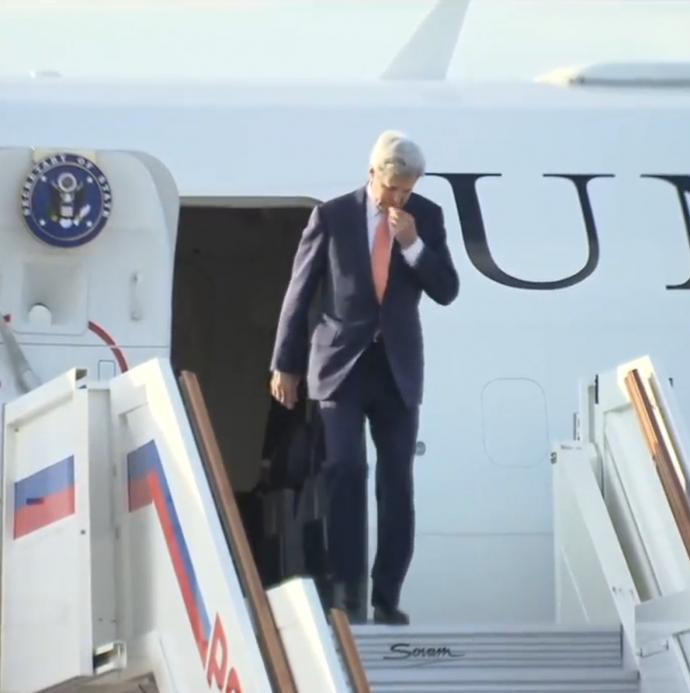 Керрі приїхав до Путіна зі своїм знаменитим предметом: опубліковано фото (2)