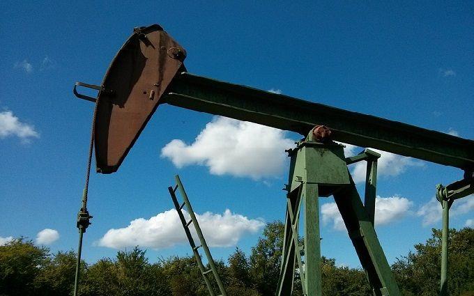 Ціни на нафту почали стрімко знижуватися