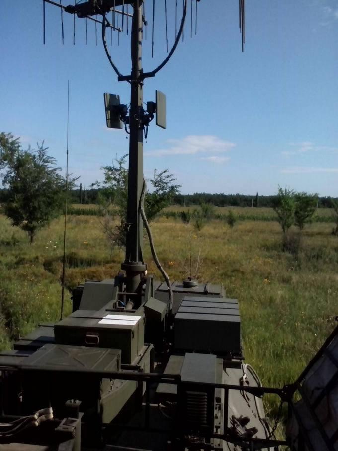 Найманці з Білорусі катаються по Донбасу на російській техніці: опубліковані фото (11)