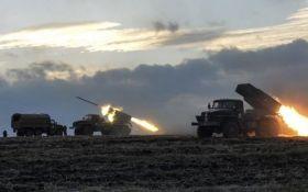 Боевики обстреляли из запрещенного оружия ВСУ и мирных жителей, есть пострадавший