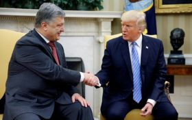 Трамп привітав Порошенка з 26-ю річницею Незалежності України