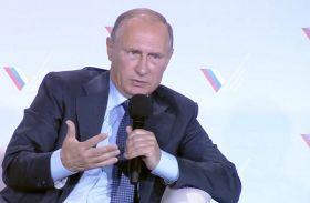 Путін в Криму вирішив поображати українців
