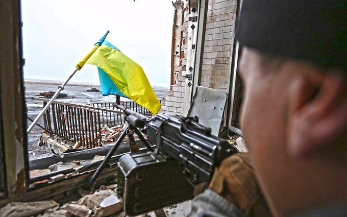 На Донбасі ми піднімали прапор під обстрілами, і робили це з однією метою - боєць АТО