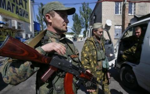ІС: бойовикам ДНР заборонили в Донецьку ходити зі зброєю і у формі
