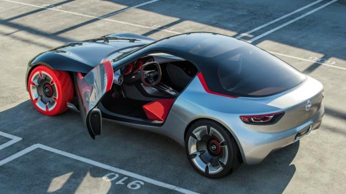 Opel показал прототип маленького заднеприводного купе (7 фото) (4)