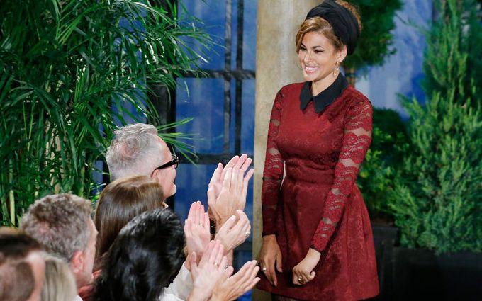 Єва Мендес в мереживній сукні похвалилася фігурою після пологів: з'явилися фото