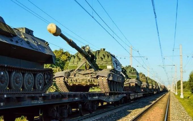 Росія не припиняє зтягувати війська до кордонів України: з'явилося нове фото і відео