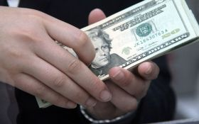 У Дніпрі затримали прокурора-хабарника на отриманні $ 25 тисяч