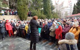 Путин, спаси от Путина: сеть насмешили фото митинга в оккупированном Крыму